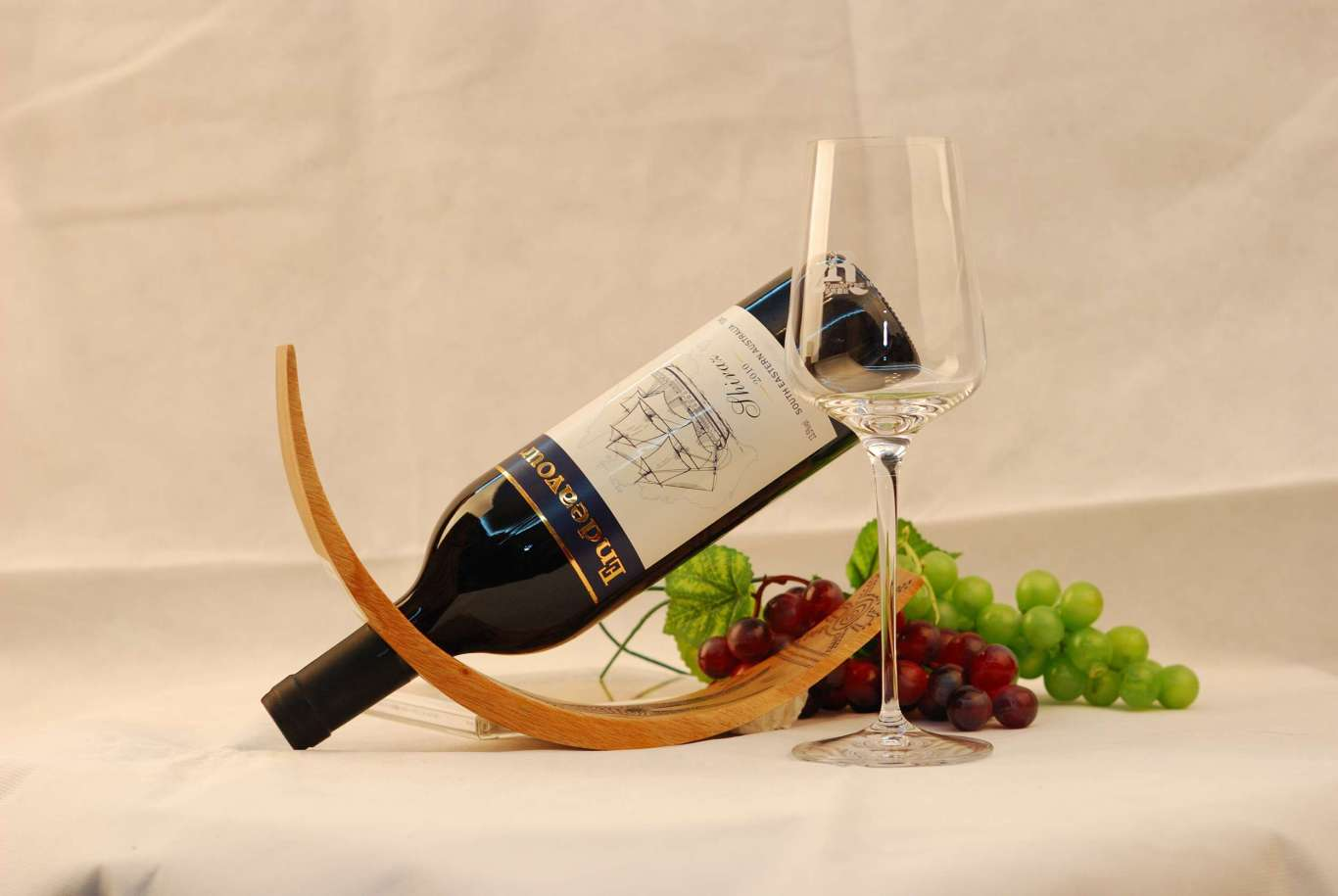 努力号红酒LOGO设计与包装设计图0