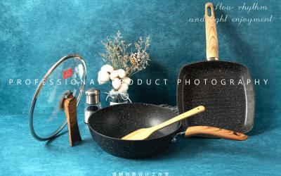 两组锅具摄影
