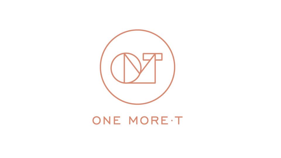 One More·T服饰公司LOGO设计