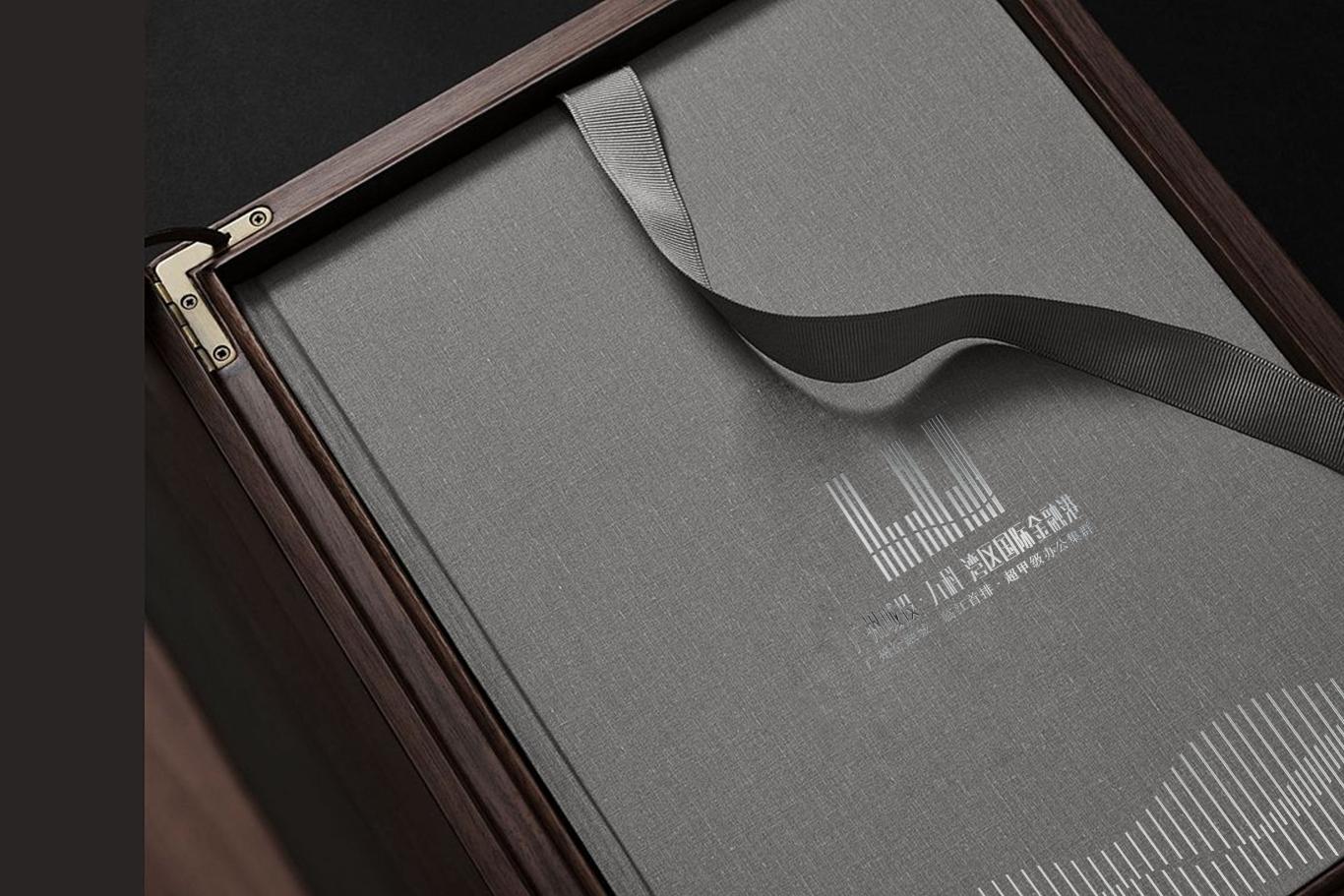 广州城投·万科 湾区国际经融港/品牌包装 VI视觉识别系统设计 地产logo设计图10